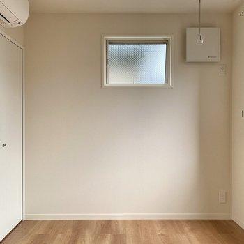 【洋室】こちらは寝室として使うのがベターですね。