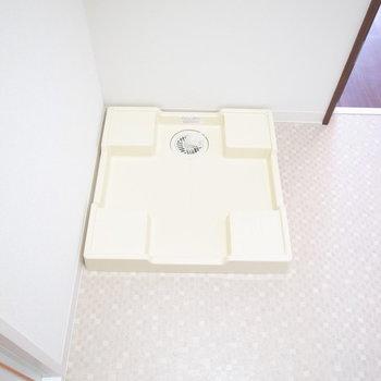 洗濯機は浴室のとなりに。