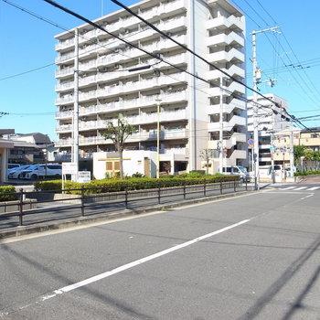 【周辺環境】京橋駅前の周辺は、のんびりした住宅地になっています。