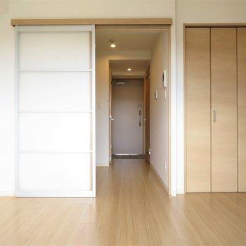 どんな家具を置きましょうか(※写真は8階の同間取り別部屋のものです)