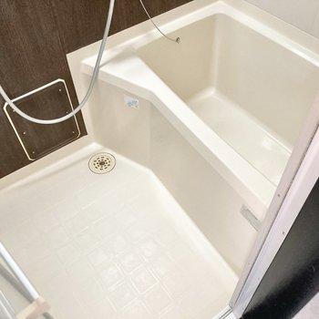 身体を洗うスペースもしっかりありますよ。