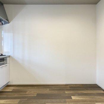 【LDK】キッチン正面にテーブルを置くと配膳もスムーズそうですよ。
