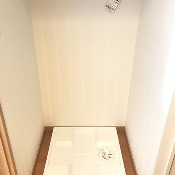 洗濯パンもついてます。(※写真は7階同間取り別部屋のものです)