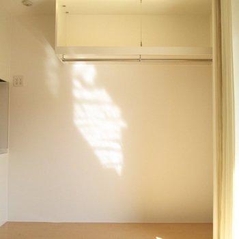 オープン収納は隠すことも◯※写真は2階の同間取り別部屋のものです