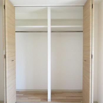 かなりの大きさのクローゼット(※写真は8階の同間取り別部屋のものです)