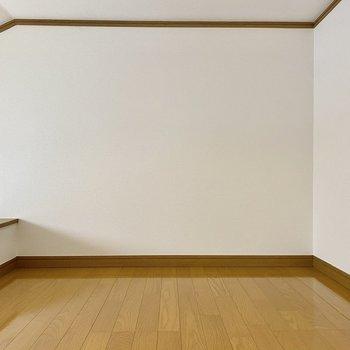 そこそこ天井が高く、居室としても使えそうですよ。
