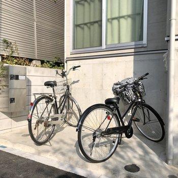 駐輪スペース、宅配BOXもありました。