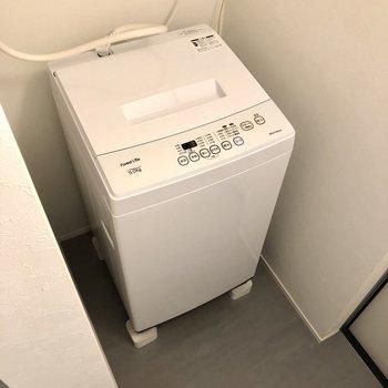 洗濯機置き場はこちらに。