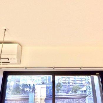 室内干しもラクラクです。※写真は2階の反転間取り別部屋のものです