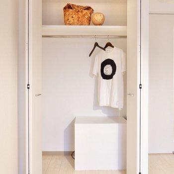 衣類はたっぷり収納可能です。※写真は2階の反転間取り別部屋のものです