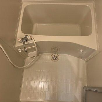 お風呂場。あと、鏡があれば完璧…!