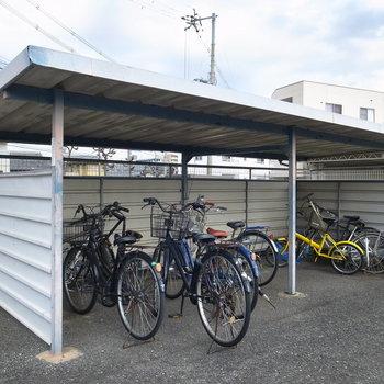 【共有部】自転車はこちらへ。