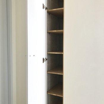 スタイリッシュなシューズボックスに、きゅん。※写真は3階の反転間取り別部屋のものです