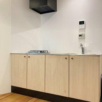 【2階】シンプルなキッチンです。