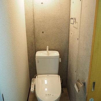 トイレはウォッシュレット付き!(※写真は3階の同間取り別部屋のものです)