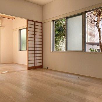 【6帖】窓が多いのでその分、新鮮な風がたくさん舞い込みます。