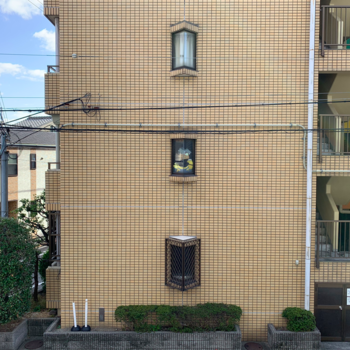 眺望は道路とマンションです