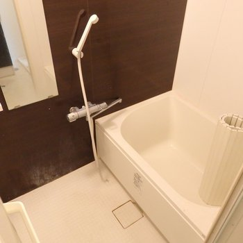 お風呂もキレイになっています※写真は同間取り別部屋のもの