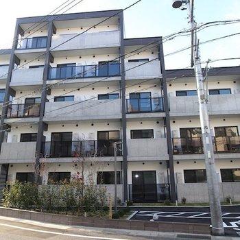 LOC'S SHINYURIGAOKA