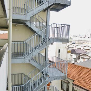 共用部の階段もクール
