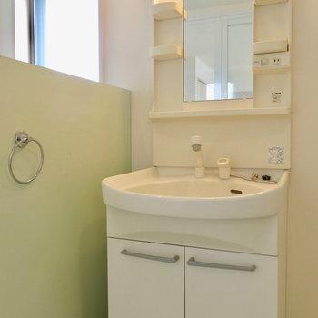 支度が捗る洗面台 ※写真は4階同間取り・別部屋のものです。