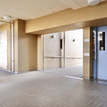 エレベーター付きなので、お部屋までは楽々。