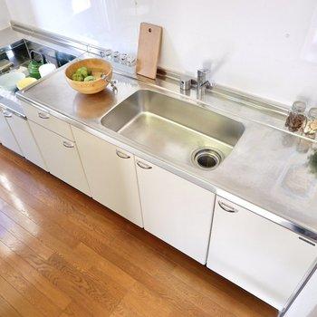 【キッチン】調理スペースがしっかり確保されてます。