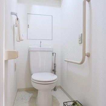 清潔感溢れる個室トイレです。
