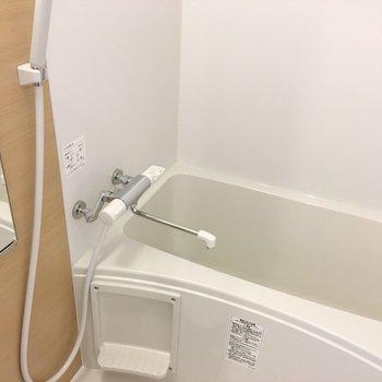 サーモ水栓で温度調節簡単です。(※写真は6階の同間取り別部屋のものです)