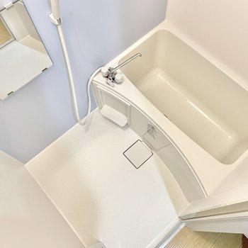 お風呂は浴室乾燥機付き◎