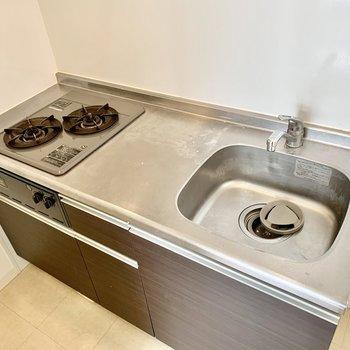 調理スペースもしっかり確保!冷蔵庫はキッチン右に置けます。