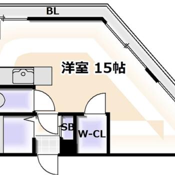 15帖あるので余裕はありますよ。※間取り図にバルコニーとありますが、床のスペースはほとんどないです。