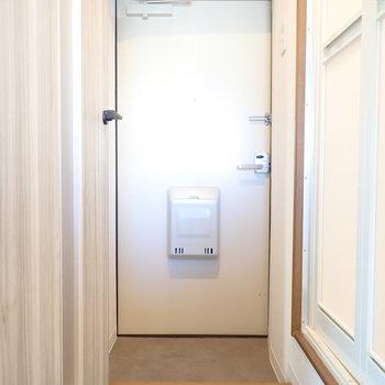玄関はちょっと狭めかな。