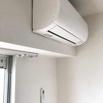 【洋室】エアコンが付いているのも嬉しいポイント。