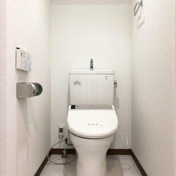 トイレに温水洗浄機能も付いているんです。