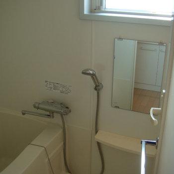 設備よさそうなお風呂。※写真は2階の同間取り別部屋のものです