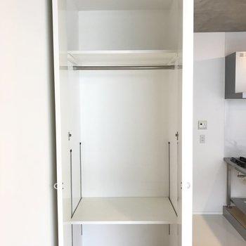 クローゼットはこのサイズ感。ちょっと小さいひとり暮らし用。※写真は3階の同間取り別部屋のものです