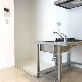 キッチンスペースはこんなに広々!※写真は3階の同間取り別部屋のものです