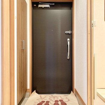 使いやすくてちょうどよい広さの玄関です