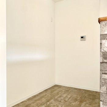 冷蔵庫や食器棚スペースもしっかり○