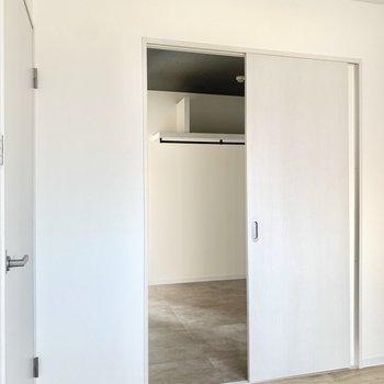 そしてこの戸の先は……