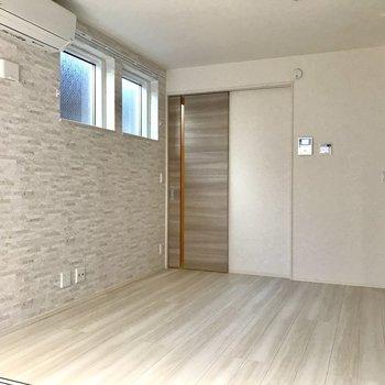 洋室とダイニングはスライドドアで仕切ることもできますよ。