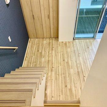 ロフトはこの高さ。階段の安心感。