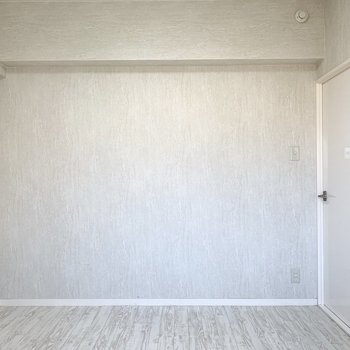 こちらは5帖のお部屋。(※写真は2階の同間取り別部屋のものです)