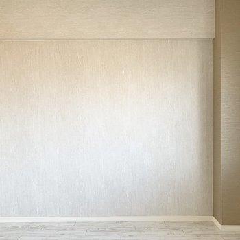 【洋5】何もない壁は家具の配置に重宝しますね◎(※写真は2階の同間取り別部屋のものです)