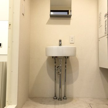 脱衣所と独立洗面台があるのが嬉しいですね。
