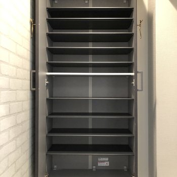誰がどこの棚を使うか使い分けると良さそう。