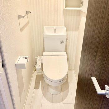 トイレはウォシュレット付いています。