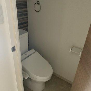 トイレはウォシュレット付きでした。(※写真は清掃前のものです)