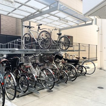 自転車置場はオートロック内で盗難の心配が少ない位置に◎
